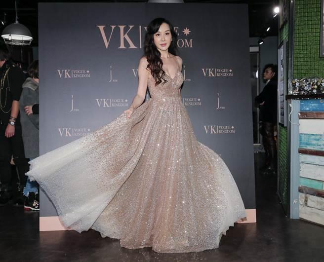 蕭薔8日為設計師林薇副品牌VK發表會站台。(盧禕祺攝)