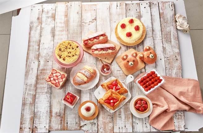 家樂福期間限定烘焙草莓甜點,12款售價42元至399元間。(家樂福提供)