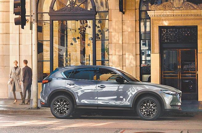 正21年式MAZDA CX-5售價98.9萬起。不用百萬即可入主該日系進口車定位中型SUV。圖/業者提供