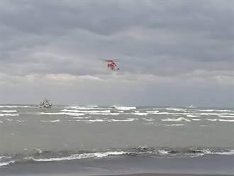 宜蘭再傳漁船擱淺  空勤直升機出動順利救出5船員