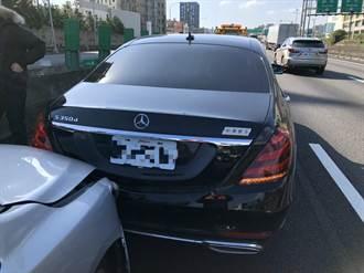 國一南下竹北段4車連撞1人送醫 車潮回堵時速20公里