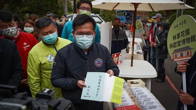 交通部長林佳龍說,機會是留給準備好的人,在國際疫情嚴重的當下,台灣因為「超前部署」做好防疫,才能保有目前的幸福生活,也建立「防疫大國」的名聲。
