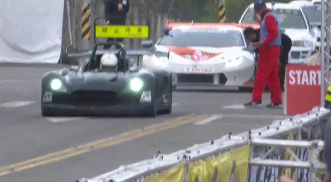 彰化國際賽車節9日在彰化田中高鐵站前廣場,200多位車手參賽。(吳敏菁攝)