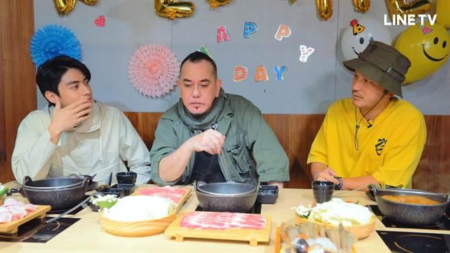宋柏緯(左起)、黃秋生、KID在KID的火鍋店首度碰面。(LINE TV提供)