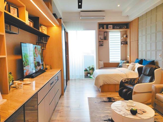 日勝生集團在新北三芝推出租售複合的養生村,其中出售型「日初不老莊園」,採適合長者居住的通用設計。(王莫昀攝)