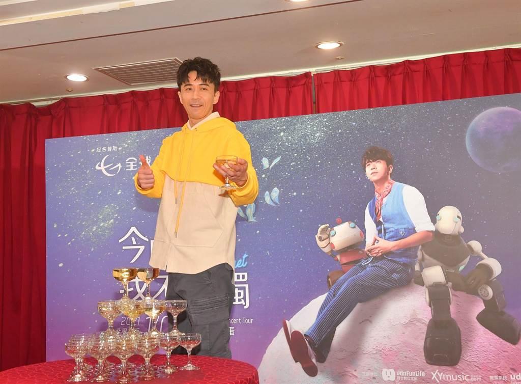 光良9日在台北小巨蛋舉辦「今晚我不孤獨」巡迴演唱會,順利落幕。(盧禕祺攝)