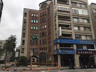 北市大樓下磁磚雨砸中路人 疑天冷致老舊外牆爆裂