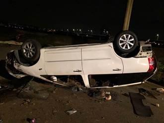 台中家門前自撞 整輛車翻覆 男爆頭慘死