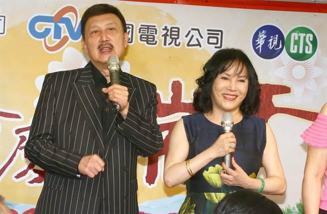 李亞萍和余天婚後育有3個兒女。(圖/本報系資料照)