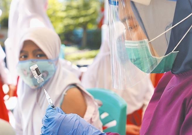 印尼疫苗接種動起來圖╱美聯社