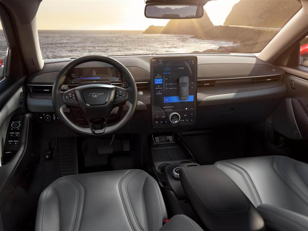 電動野馬 Mach-E 去年底終於在美國市場開放交車,但只交了 3 台