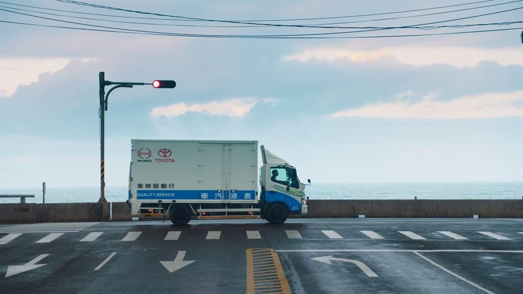 行動服務車,提供企業客戶到府保養服務