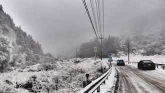 濕冷寒流報到 中橫、合歡山追雪限掛雪鍊 禁機車重機