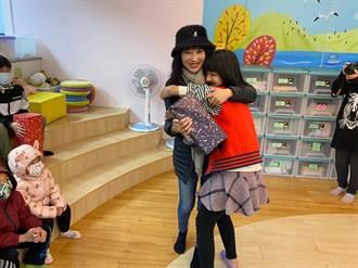 林口耶誕祈願 蔡淑君親送禮物為2千孩童圓夢