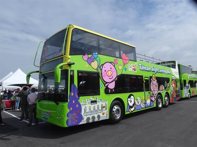 台南雙層巴士延長票價優惠至今年6月30日。(本報資料照片)