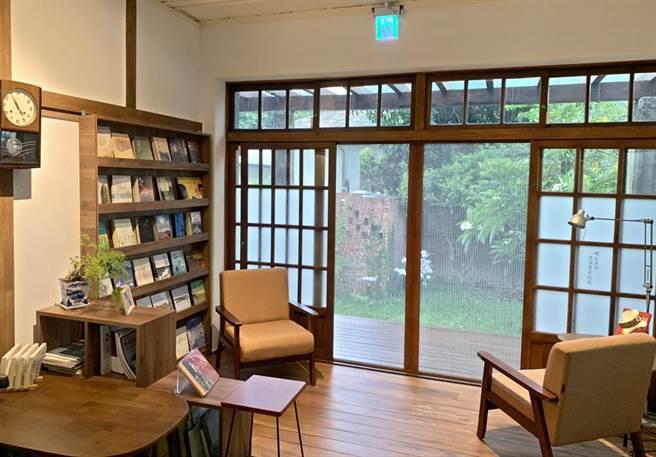 屏東勝利星村創意生活園區,有獨立書屋、文創工作室、餐廳等。「永勝5號」為獨立書屋,作家張曉風曾在此寫作。(潘建志攝)