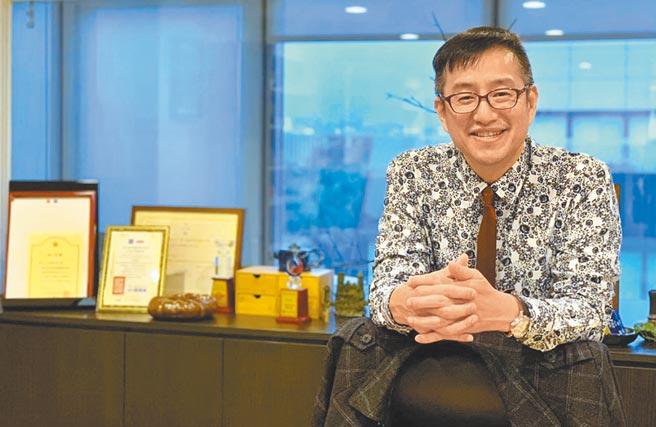 亞尼克董事長吳宗恩肯定員工的辛勞付出,宣布最高六個月年終獎金。圖/亞尼克提供