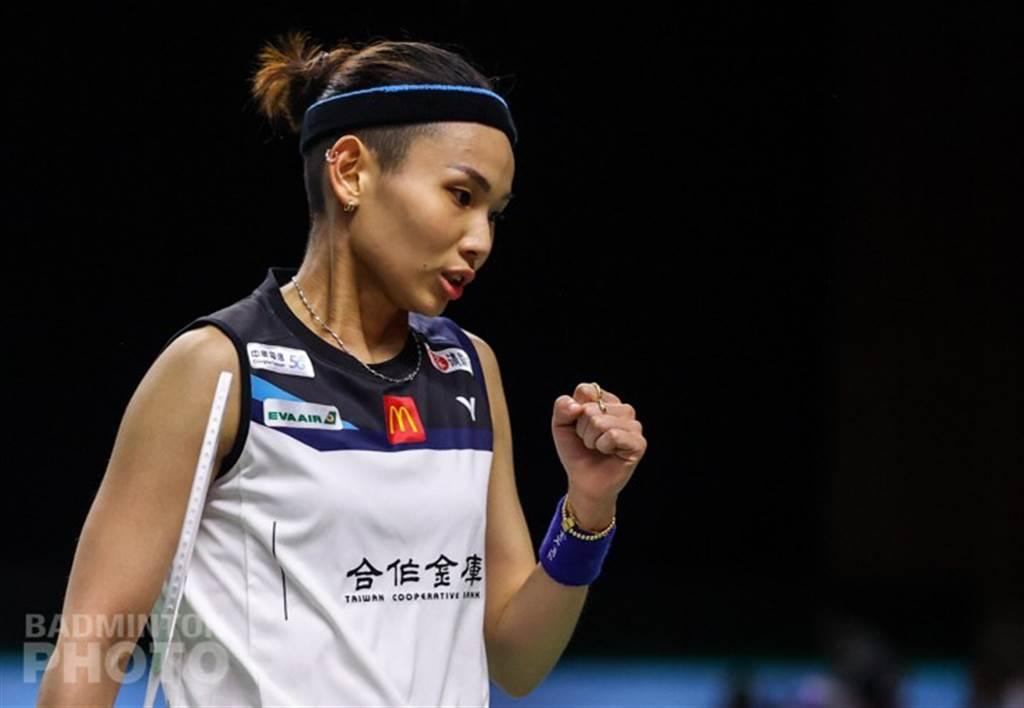戴資穎為自己的好球握拳叫好。(Badminton Photo提供)