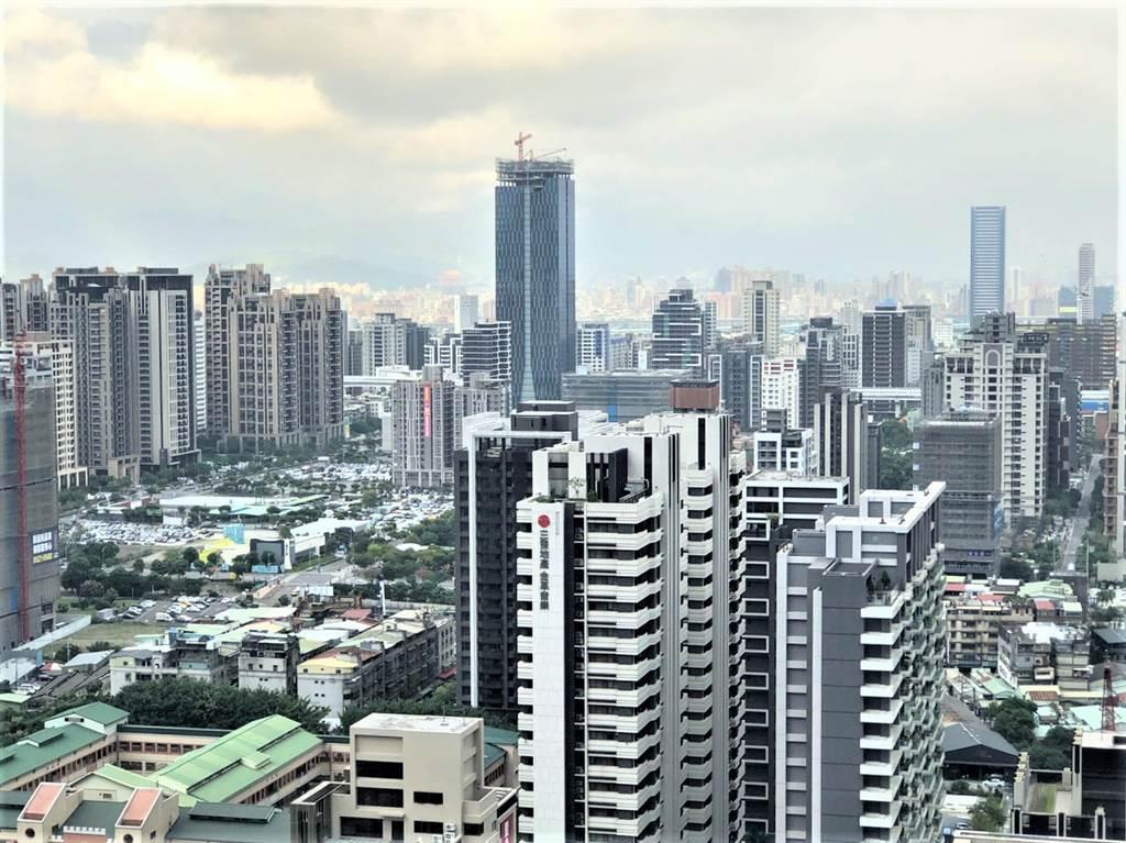 新莊副都心重大建設陸續到位,看好區域發展前景,包括中悦、儒鴻等企業總部紛紛搬遷至此。(葉思含攝)