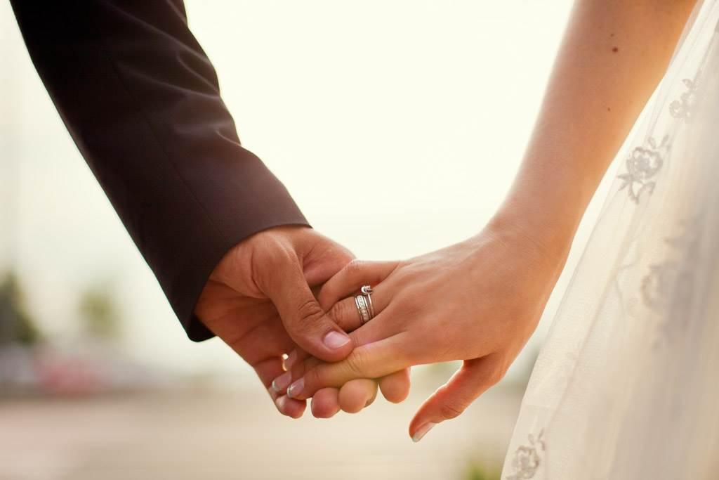 不少人婚後可能會對平淡規律的生活感到乏味,但這4生肖男女步入婚姻後反而越愛越黏人。(示意圖/達志影像)