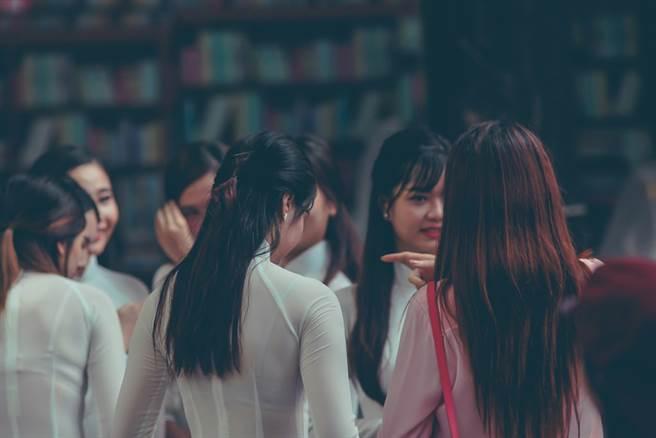 越南阮姓人口占總數的40%,也就是每3個越南人當中就有一個人姓阮。(示意圖/達志影像)