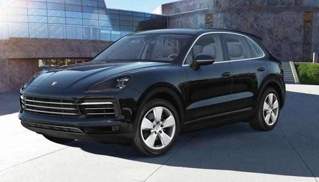全聯春節福袋頭獎祭出市值354萬元的「Porsche保時捷Cayenne」(上圖),或市值333萬元的「Tesla特斯拉Model X」,讓消費者自己投票決定。圖/業者提供