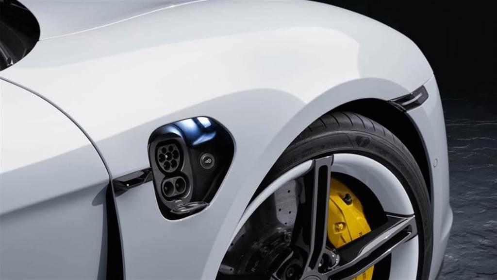 保時捷達標!Taycan 電動跑車 2020 年賣出 2 萬輛,佔全品牌 7.4% 銷售佔比