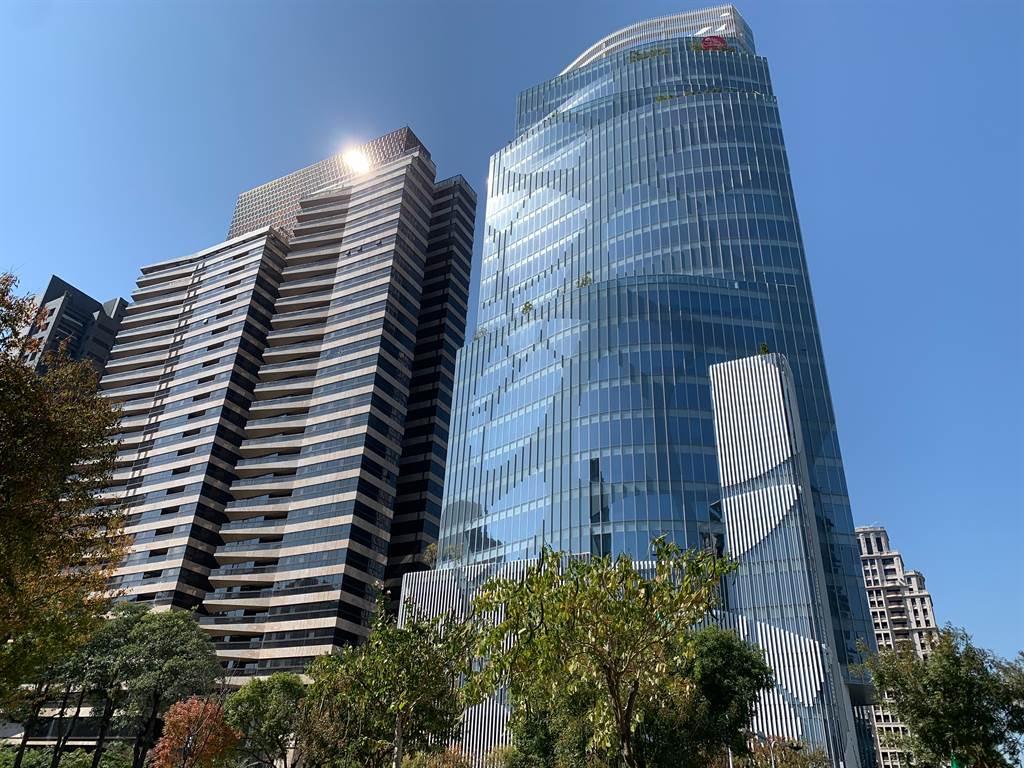 大陸建設七期豪宅囊括2020年「銷售」、「單價」、「均價」三冠王。(葉思含攝)
