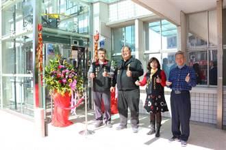 通霄鎮公所啟用無障礙電梯  命名「起飛號」象徵鎮政起飛