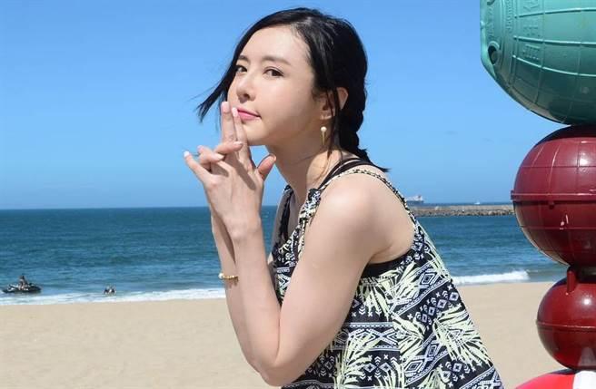李沁凝改名「李悅」重返演藝圈。(圖/李沁凝臉書)