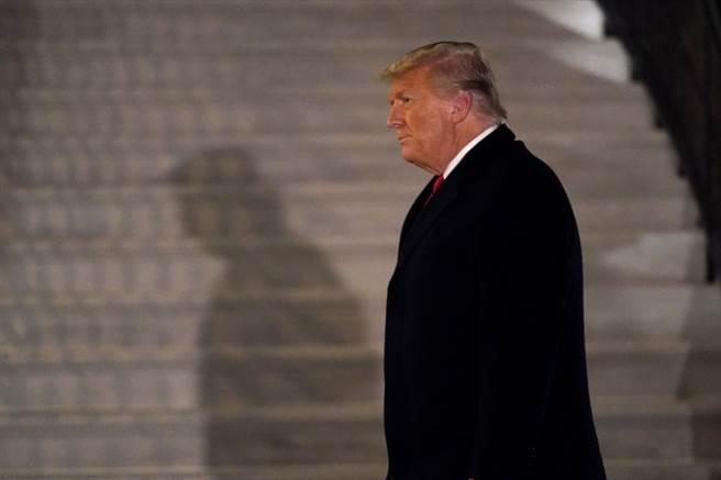 美國眾議院正在討論第2次彈劾川普案,會議結束後會開始投票。(圖/美聯社)