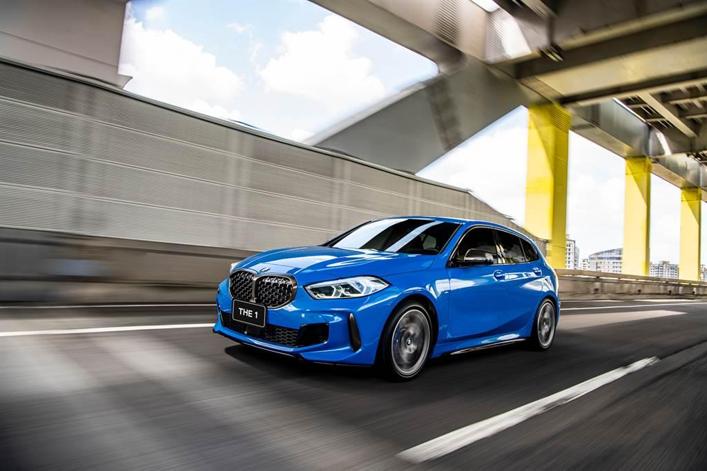 閃耀年輕活力姿態並以與眾不同的設計語彙在眾人面前耀眼登場的全新BMW 1系列,本月入主可享低月付9,900元起多元分期方案。