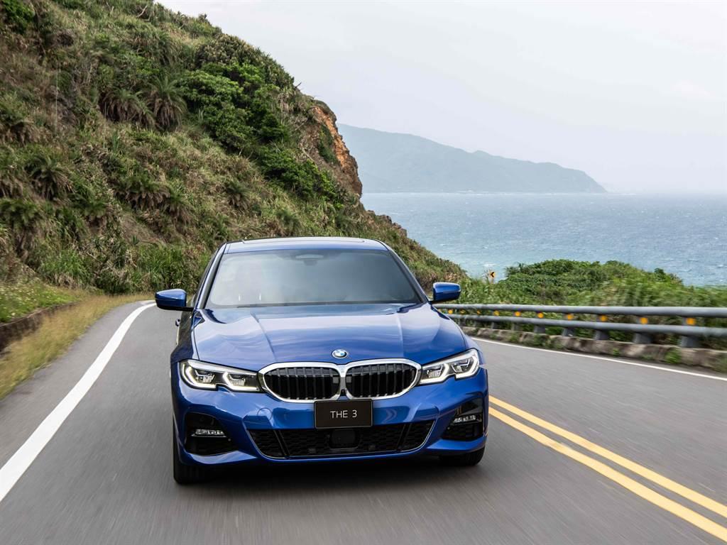全新BMW 3系列指定車型享低月付9,900元起多元分期方案或180萬60期0利率專案或尊榮租賃專案(含3年租賃0利率、贈送3年牌燃稅)以及1年乙式全險。