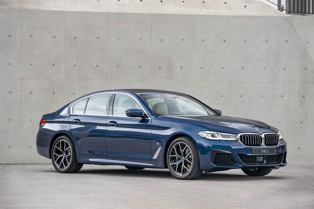 囊括全球無數專業獎項肯定,不斷創新變革的全新BMW 5系列,本月份入主享180萬60期0利率專案或尊榮租賃專案(含3年租賃0利率)以及1年乙式全險。