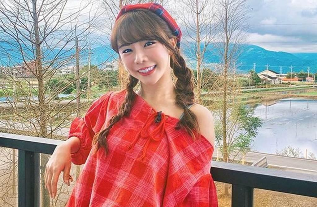 「樂天女孩」隊長巫苡萱,甜美外型加上火辣身材,累積一票鐵粉支持。(圖/avawu0726 IG)