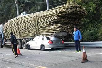 恐怖絕命終結站 男撞上載滿竹子貨車 當場刺爆頭身亡