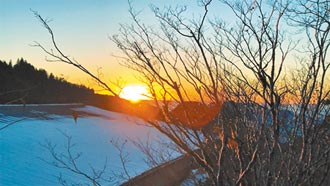 太平山雪中賞日出 如人間仙境