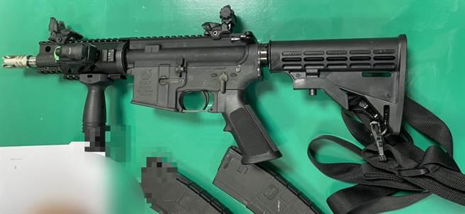 彭伟明当天犯案用的枪支。(警方提供/陈世宗台中传真)