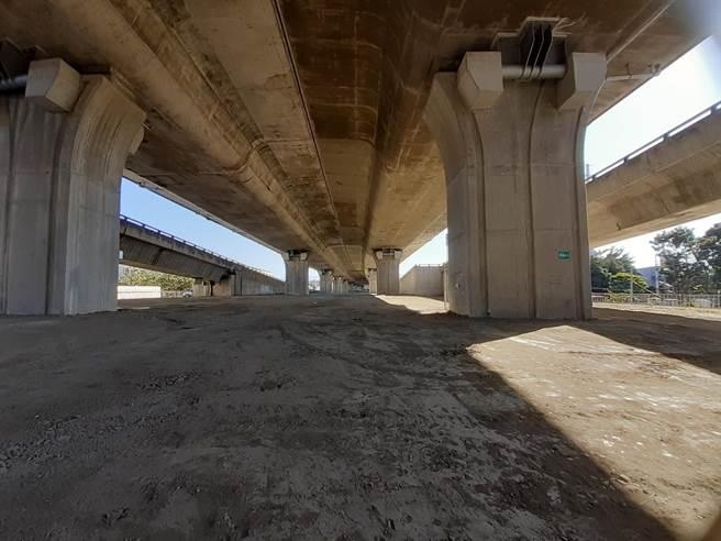 豐原區國豐路1段近三豐路口往國道4號匝道處,交通局將闢路分流。(陳淑娥攝)