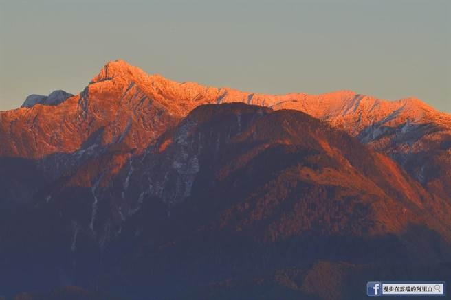黃源明在小笠原山拍攝的玉山積雪,<b><a href=