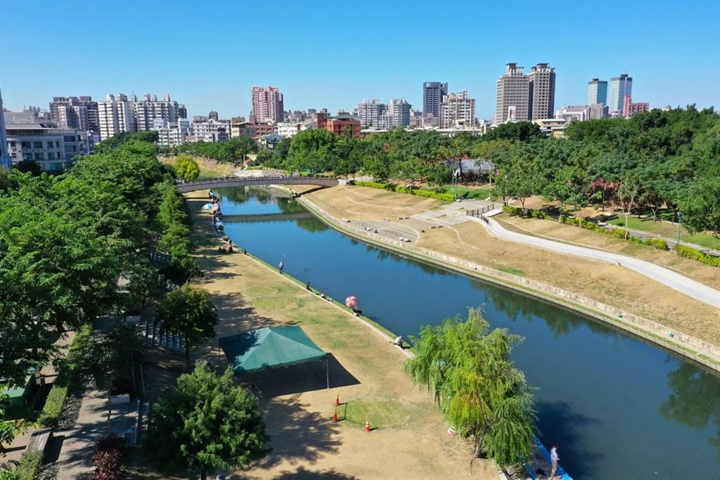 允將建設大里3期新案「允將康城」,位在康橋河岸第一排。(圖/業者提供)