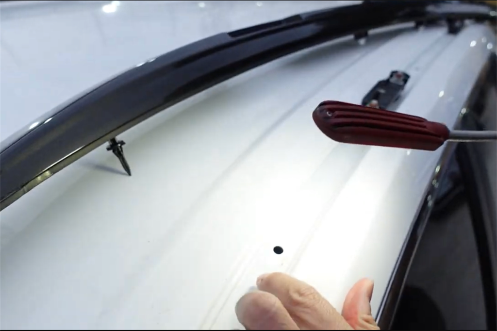國產CUV神車可能漏水?YouTuber再拆Corolla Cross(圖片來源:截取自杰運汽車YT頻道)