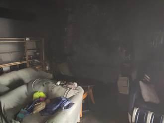 苗市公寓驚傳火警  消防人員架梯助6旬婦逃生