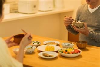 营养学博士「太极饮食法」 让他白髮变黑、外貌年轻15岁