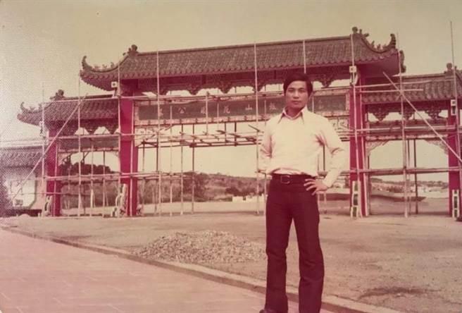 朱瑞芳老闆昔日承包過兩廳院、圓山飯店的彩繪工程。(圖/店家提供)