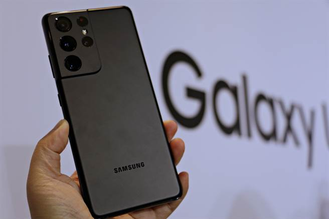 三星Galaxy S21系列預購起跑。圖為Galaxy S21 Ultra。(黃慧雯攝)