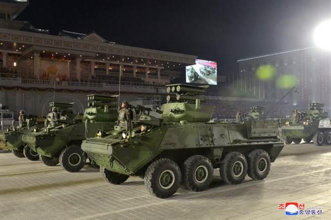 北韓趁此還展示其它武器,就是沒有ICBM。(圖/路透社)