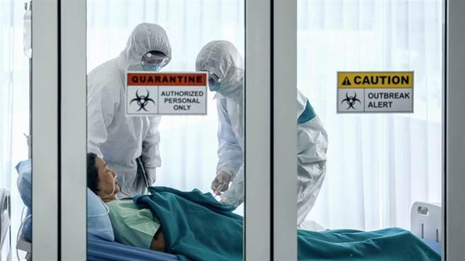 插管疏失致醫師染疫?插管時機、流程、風險,專家一次解答。(示意圖/Shutterstock 非新聞當事人)