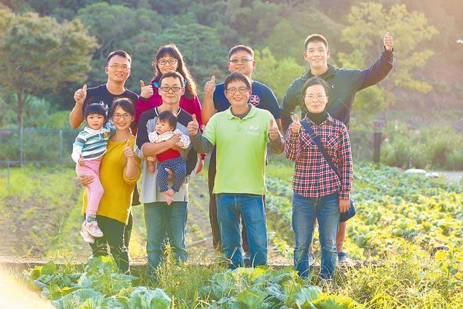 「語林有機農場」邱語玲攜手林口在地7家有機農場創立「林口有機村」品牌。(林口區公所提供/李俊淇新北傳真)
