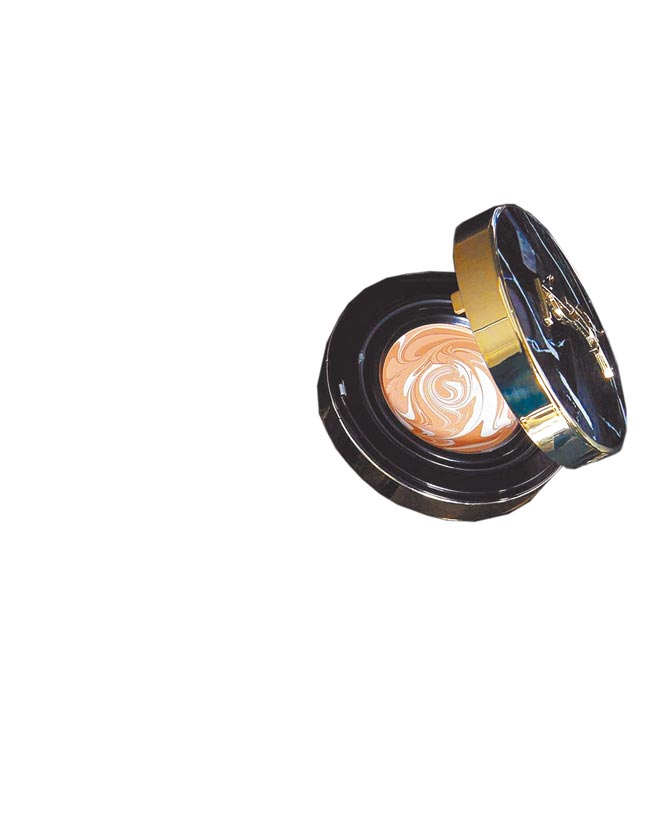 YSL全新大理石氣墊粉霜,品名與價格未定。(YSL提供)